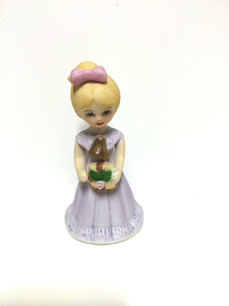 Blonde haired girl with lilac dress, with gold 4.