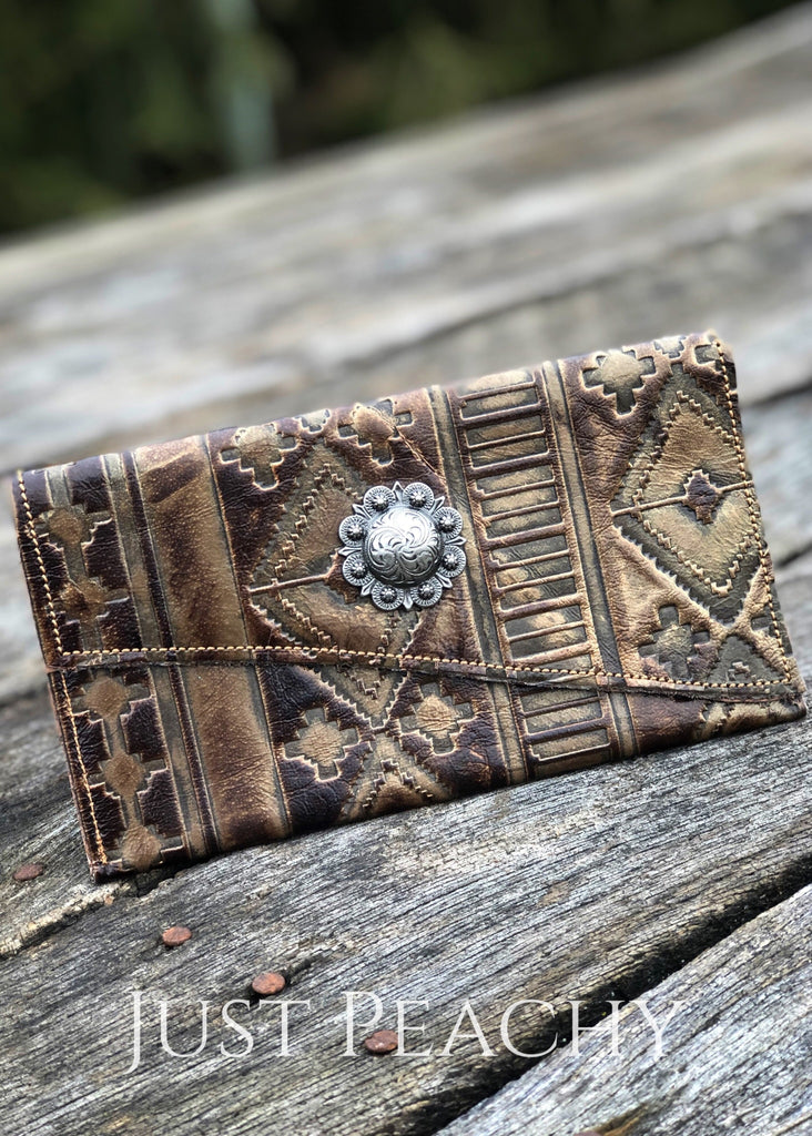 The Hayden Leather Wallet In Bronze Aztec Western