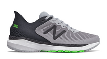 Load image into Gallery viewer, New Balance 860 V11 2E Width