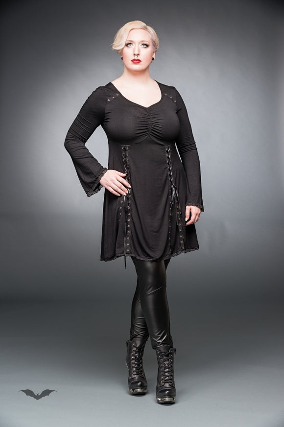 Queen of Darkness - Black dress with v-neck and lacings