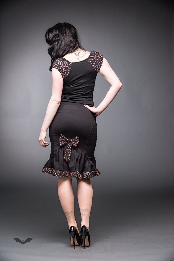 Queen of Darkness - Black skirt with bow and ruching