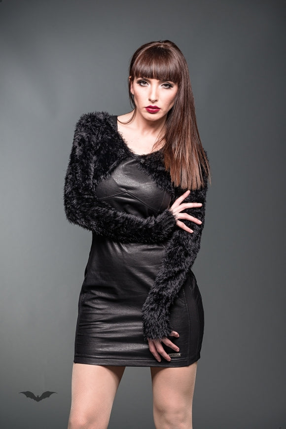 Queen of Darkness - Fluffy fake-fur bolero