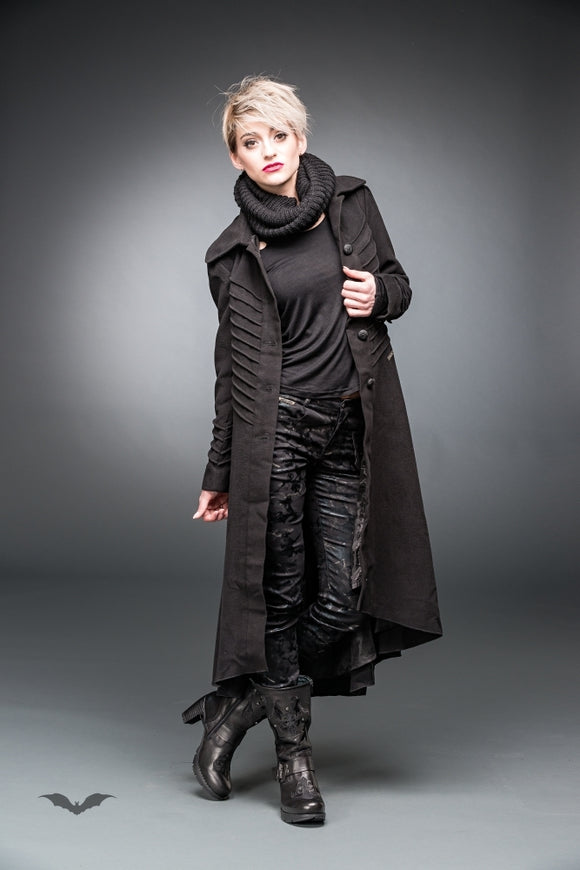Queen of Darkness - Long coat with decorative stitching