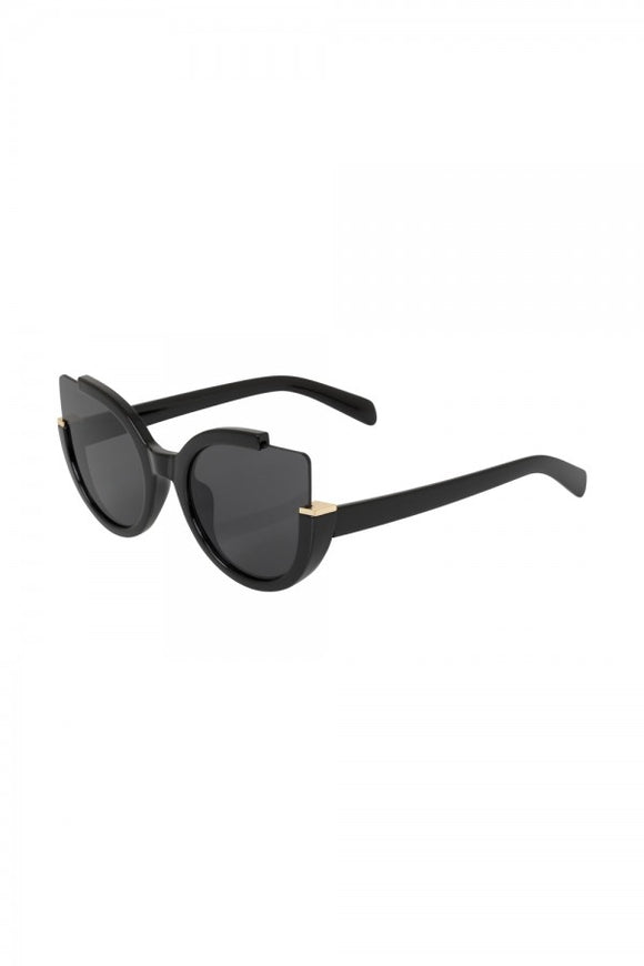 Voodoo Vixen - Extreme Cat Eye Sunglasses Black - Egg n Chips London