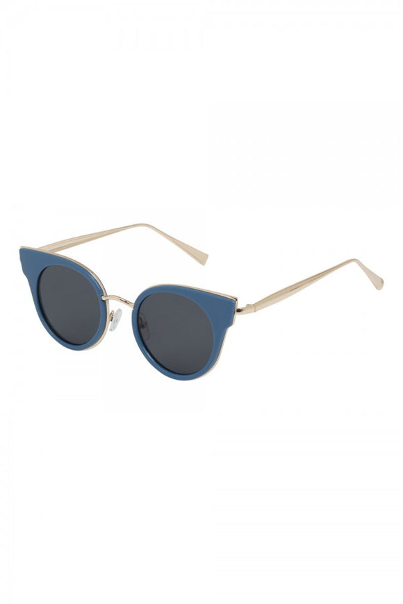 Voodoo Vixen - Retro Round Blue Sunglasses - Egg n Chips London