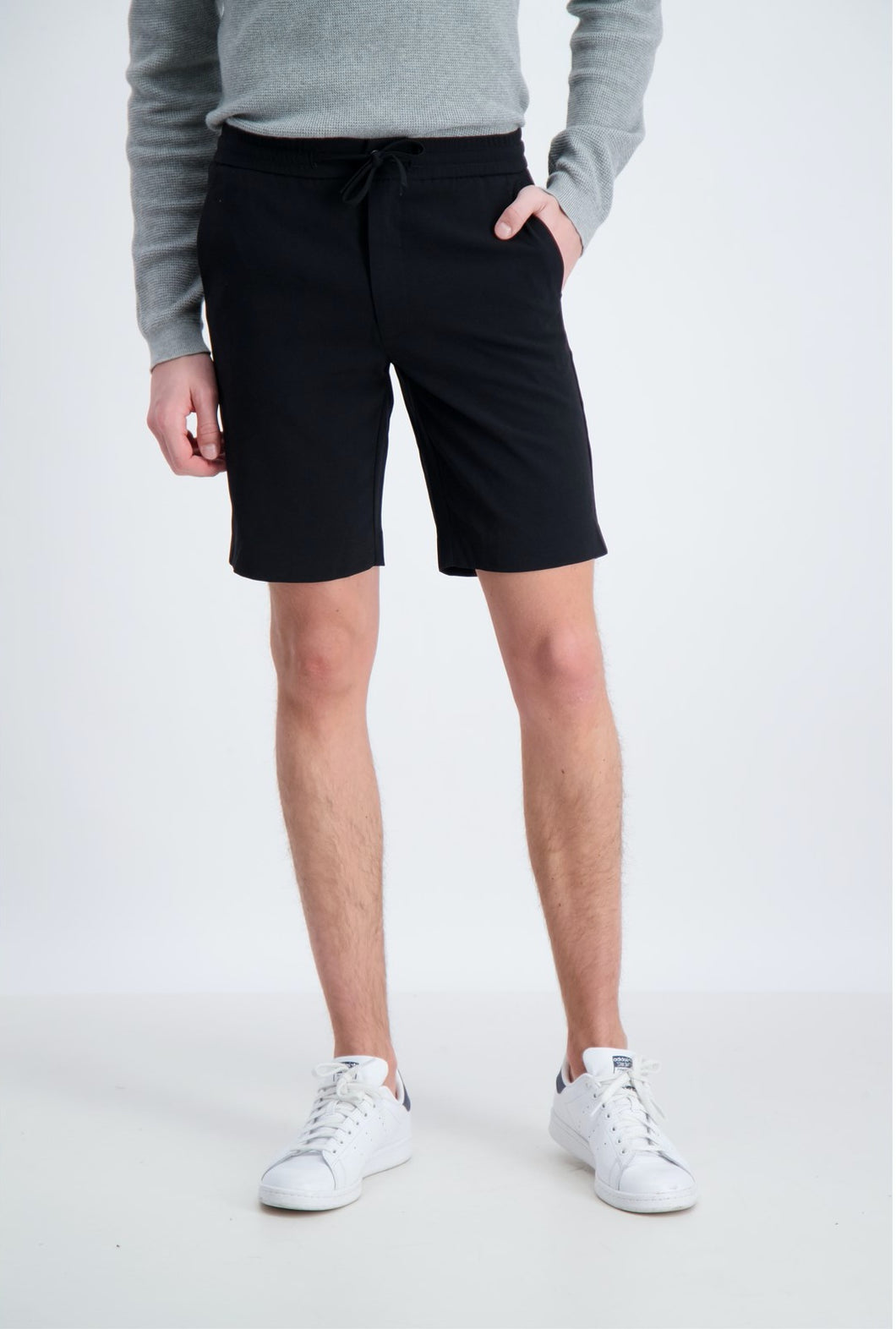 Relaxed Suit Shorts - Black / XS - SHORTS HERR, L,
