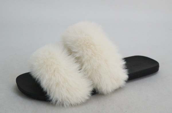 2 bands furry white sandal