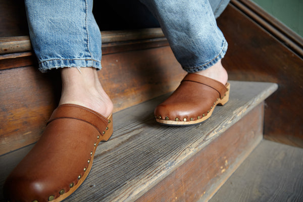 lisa b. Shoes | Leather Low Heel Clogs in Tan