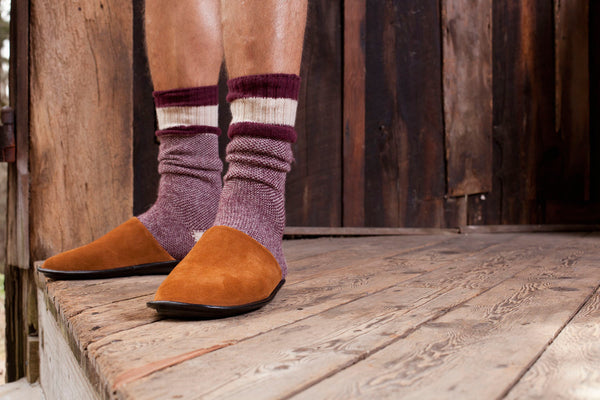 lisa b. Men's Wool + Cashmere Birds Eye Socks in Burgundy