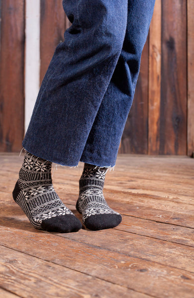 lisa b. Womens Wool + Cashmere Trouser Stripe Snowflake Socks in Black