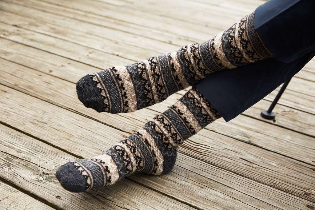 lisa b. men wool cashmere charcoal fair isle crew socks