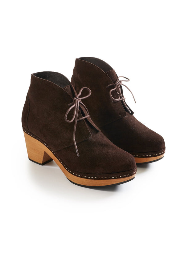 smooth toe bootie suede clogs in dark brown