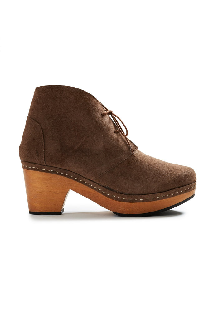 smooth toe suede bootie clogs in mushroom