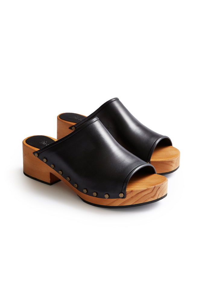 open toe slide clogs in black