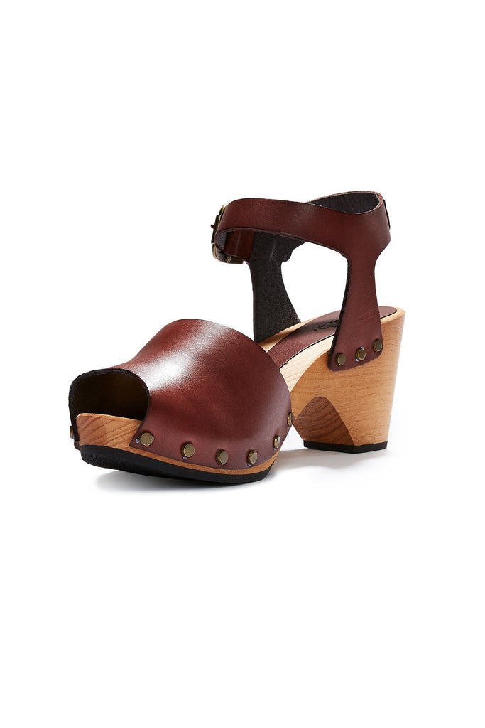 leather peep toe clogs in acorn