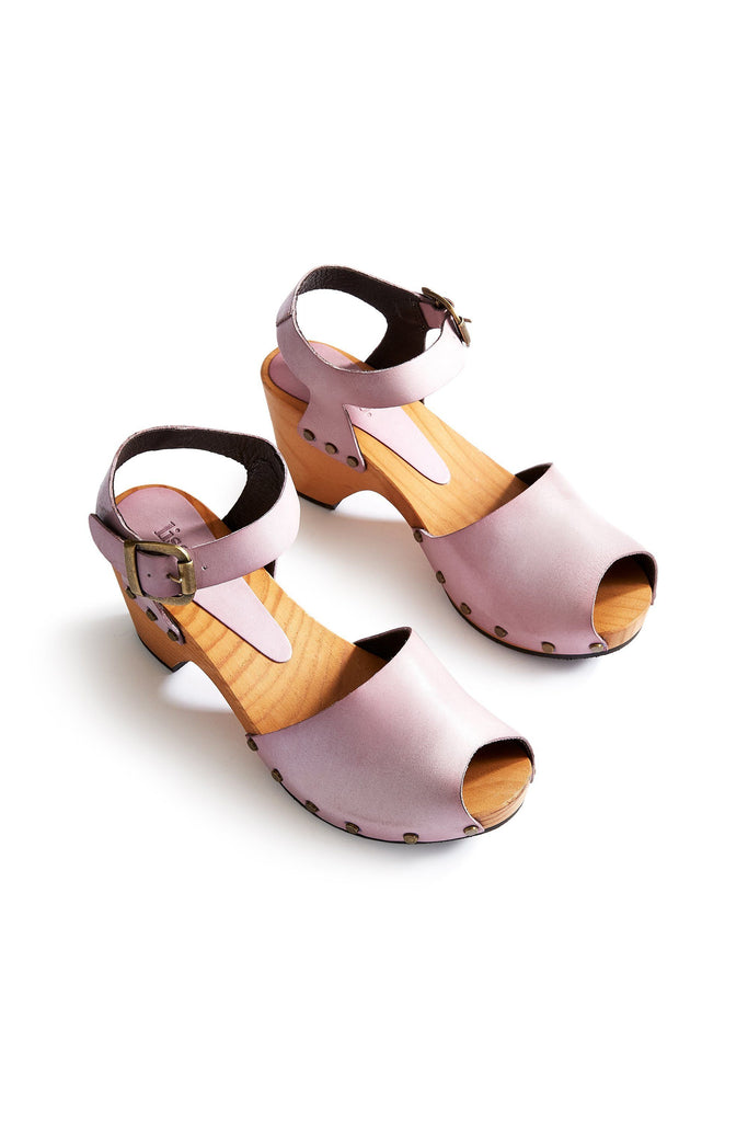 leather peep toe clogs in viola