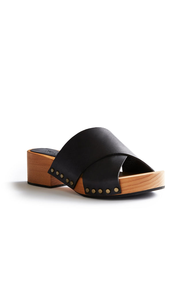criss cross leather low heel clogs in black