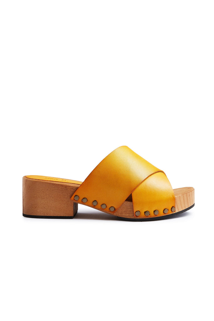 criss-cross slide clogs in mango