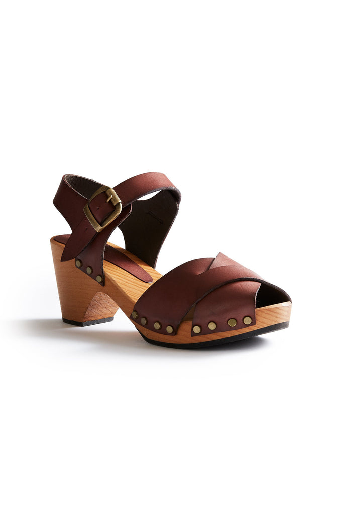 leather cross-over clogs in acorn