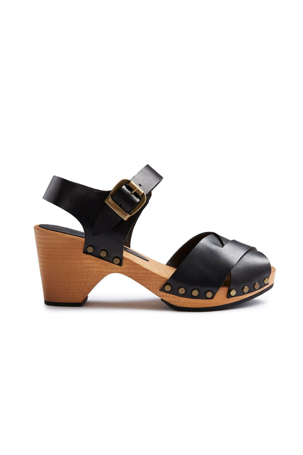 cross-over clogs in black