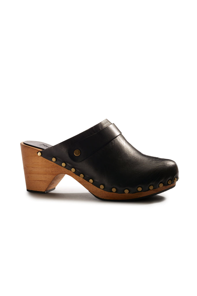 high heel leather clogs in black