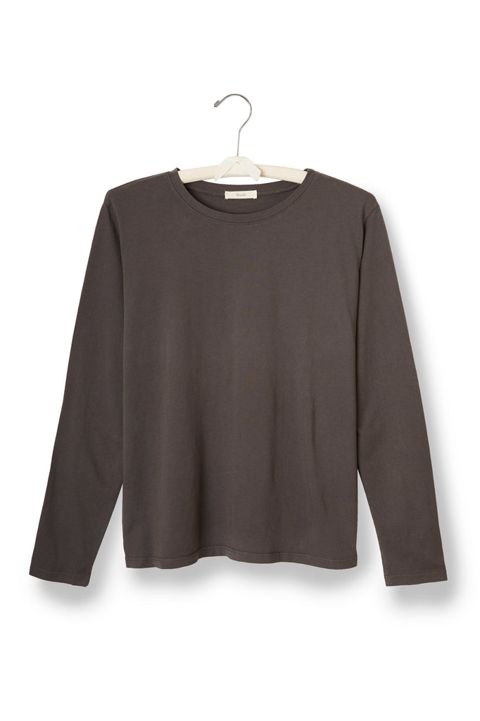 long sleeve boxy crew t-shirt in charcoal | lisa b. FINDS