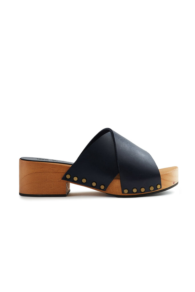 criss-cross slide clogs in navy