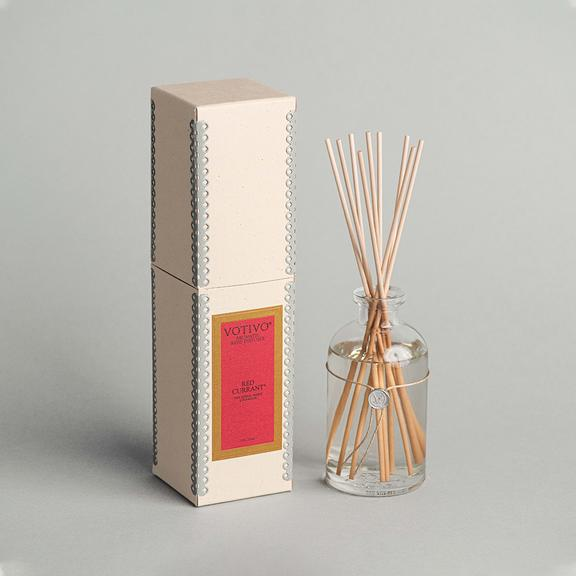 Votivo Aromatic Reed Diffuser - Red Currant