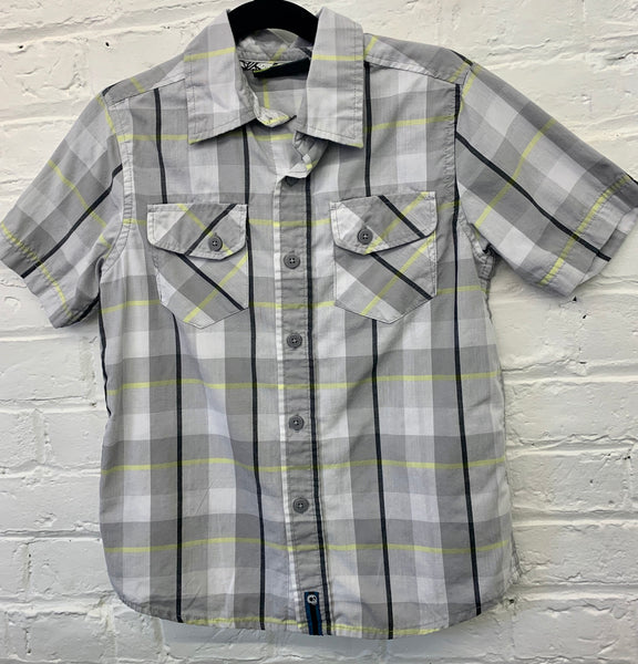 Grey plaid shirt 6