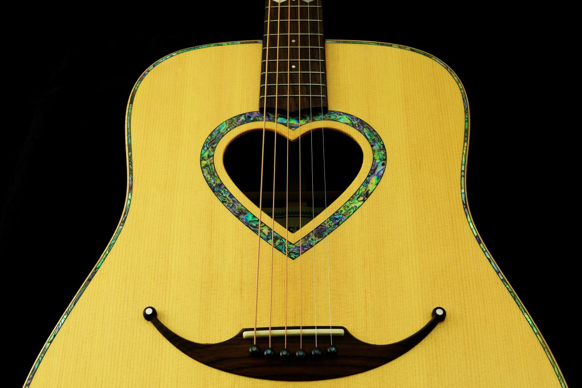 Zemaitis CAD-200HS Dreadnought Abalone Heart Soundhole Acoustic