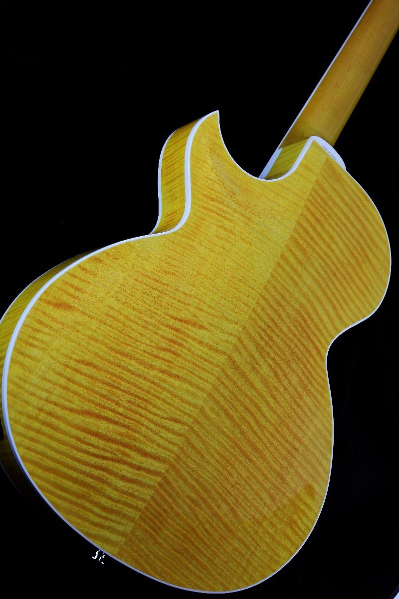 Zemaitis V22HB Flame Maple Veneer