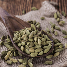 Load image into Gallery viewer, Cinnamon Tree Organically grown fresh green cardamoms