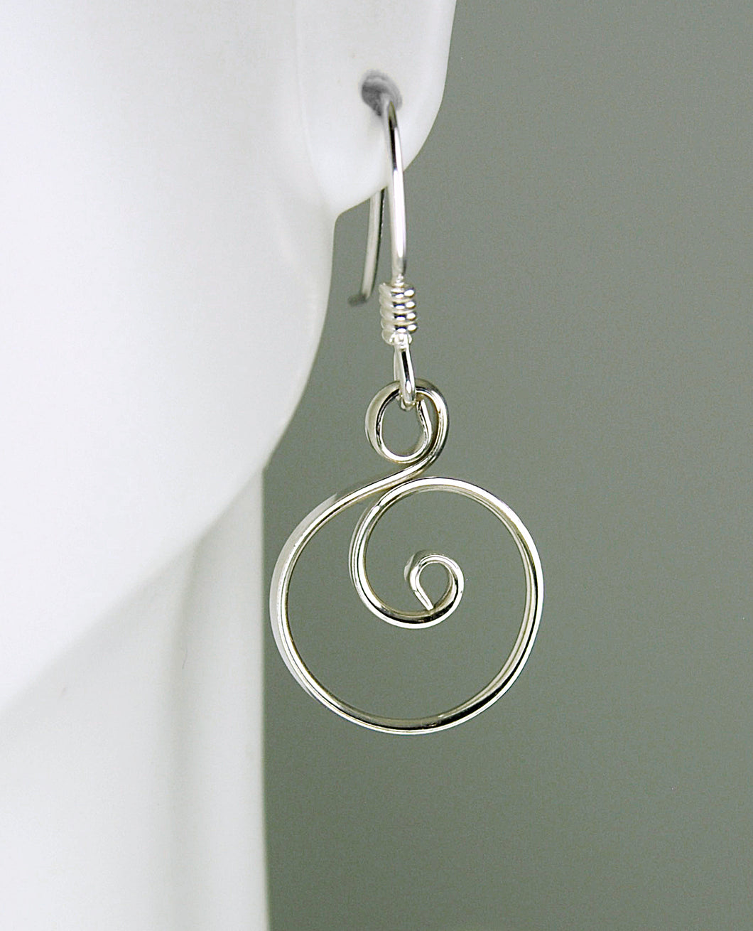 Little Shiny Silver Circle Earrings, Argentium Sterling Silver, SE60 , Lois Linn Jewelry