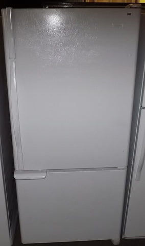 i817 GE Performa White Bottom Freezer Refrigerator
