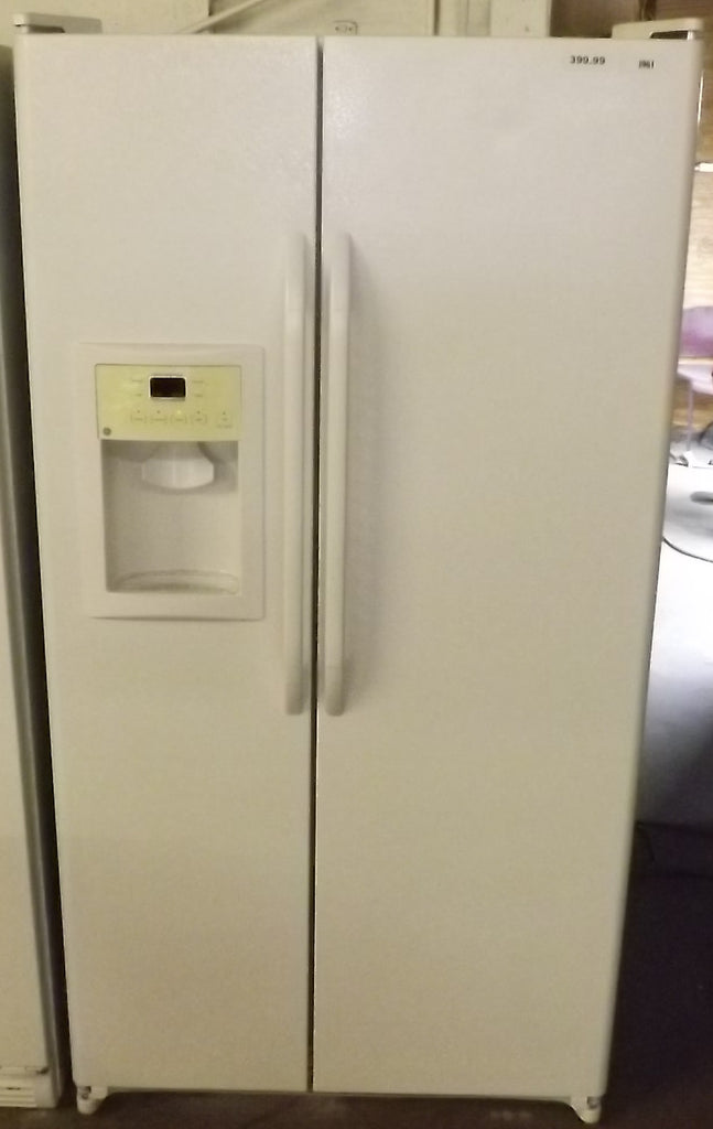 i961 GE White Side by Side Refrigerator