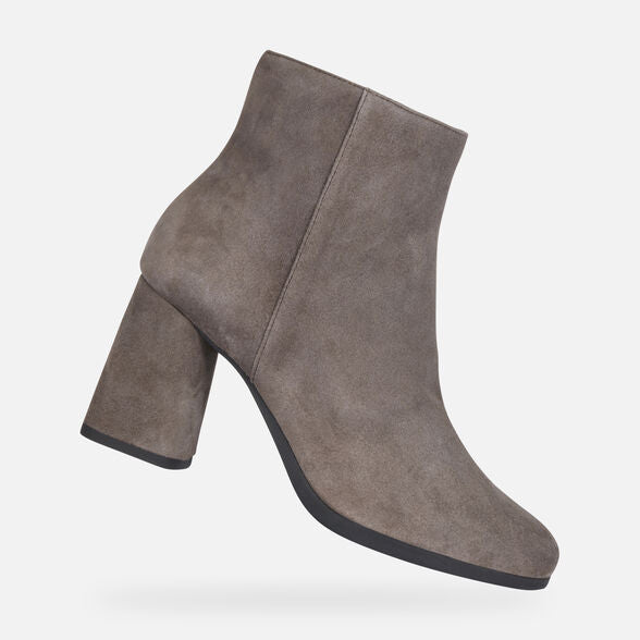Geox Calinda Ankle Boot in Hazelnut