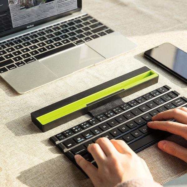 Wireless Rollable 2-in-1 Bluetooth Keyboard Speakers