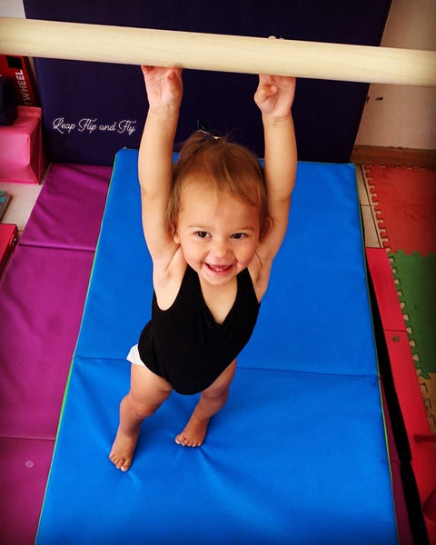 HOW TO INCORPORATE GYMNASTICS AT HOME !