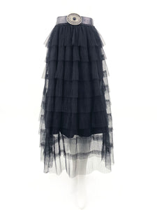PLEATED LAYERED SKIRT BLACK WITH BELT.