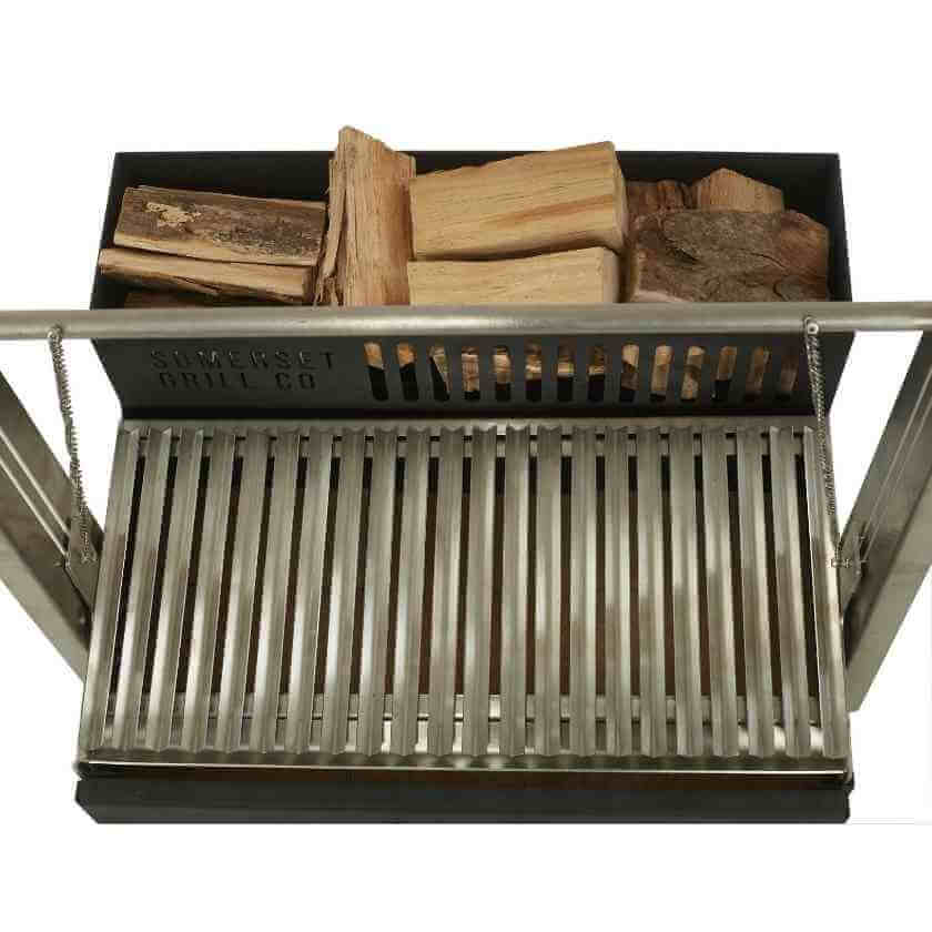 The Asado Grill's' ember maker runs the full length of the grill, providing a continuous supply of red-hot embers, allowing you to cook for hours.