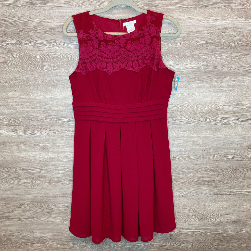 M: Maroon Lace Top Formal Dress