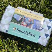 Load image into Gallery viewer, NEW SnoofyBee Excursion 3-in-1 Clean Hands Changing Pad *as seen on Shark Tank