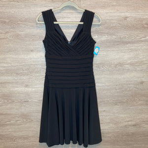 Size 6: Black Formal Pleat Detail Cocktail Dress