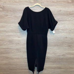 L: Black Crepe Texture Deep Back V Dress