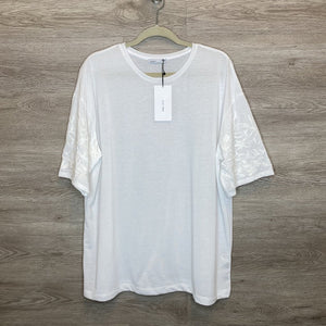 M: NWT Over-sized White Embroidered Sleeve Tee