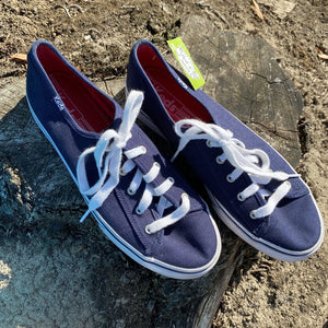Size 8.5: Like NEW Navy Canvas Shoes