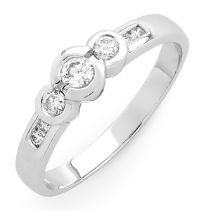 9ct White Gold 1/4ct TDW Diamond Trilogy Ring
