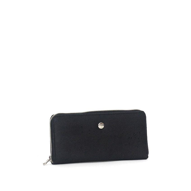 cork vegan wallet in black cork made in portugal sustainable fashion