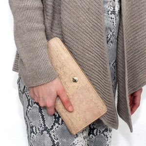 womens cork wallet made in portugal vegan and sustainable