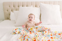 Load image into Gallery viewer, Muslin Swaddle - Cutie Fruits